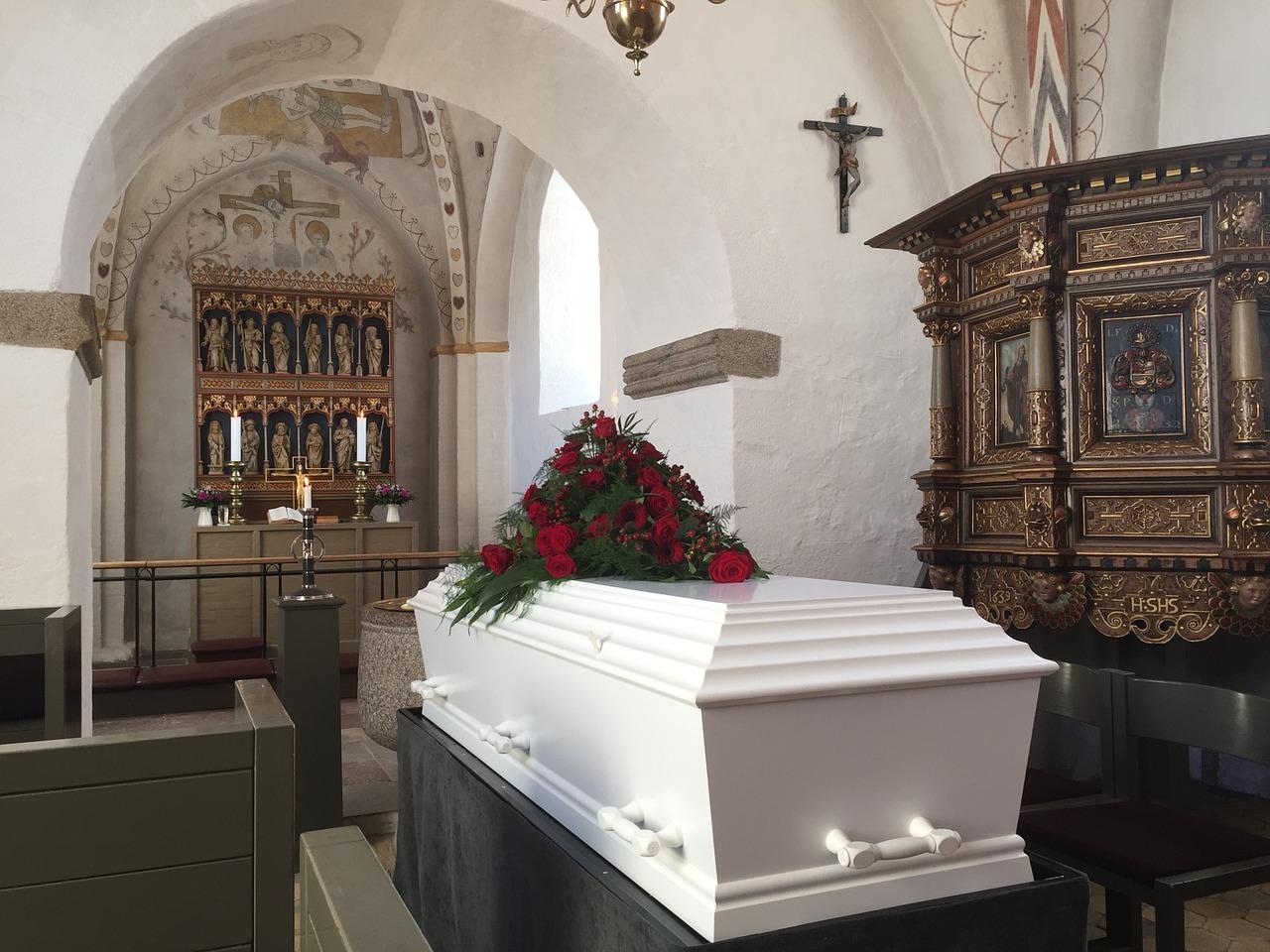 Jak poradzić sobie z pogrzebem?